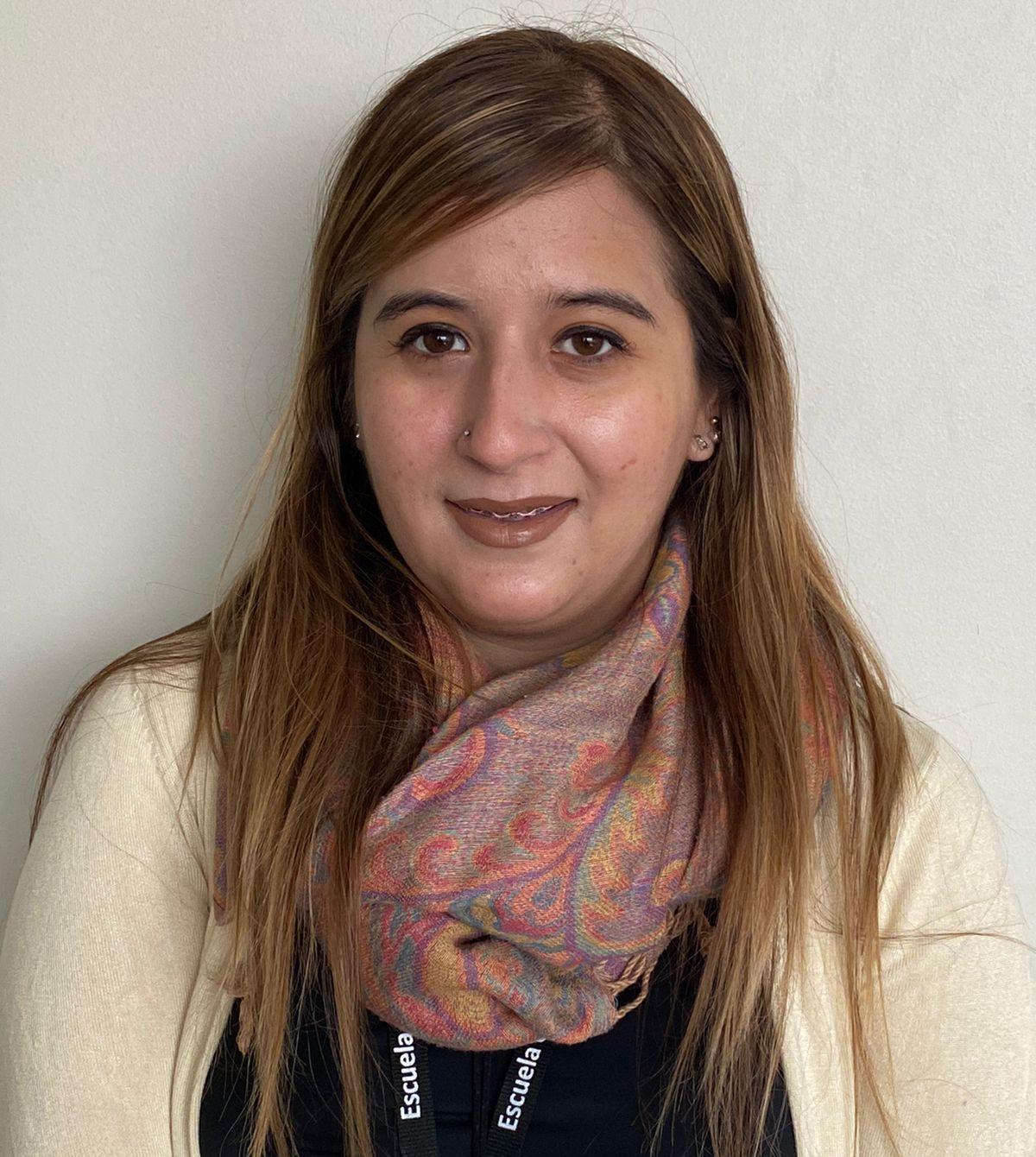 Fernanda Espinoza : Asistente Administrativo y Estafeta